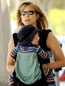courtney-thorne-smith-with-ergo-baby-carrier-225x300