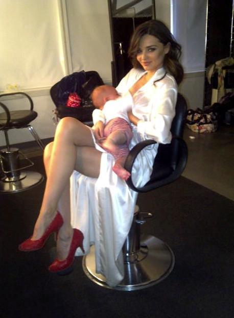 Miranda Kerr también en una sesión fotográfica