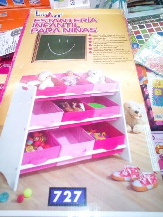 estantería para niñas